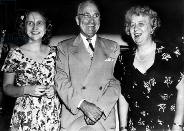 President Harry Truman (center), with wife First Lady Bess Truman (far right), and daughter Margaret Truman (far left), 1952.