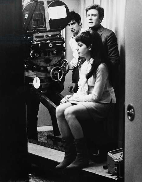 CHARLIE BUBBLES, from front: Liza Minnelli, director Albert Finney on set, 1967