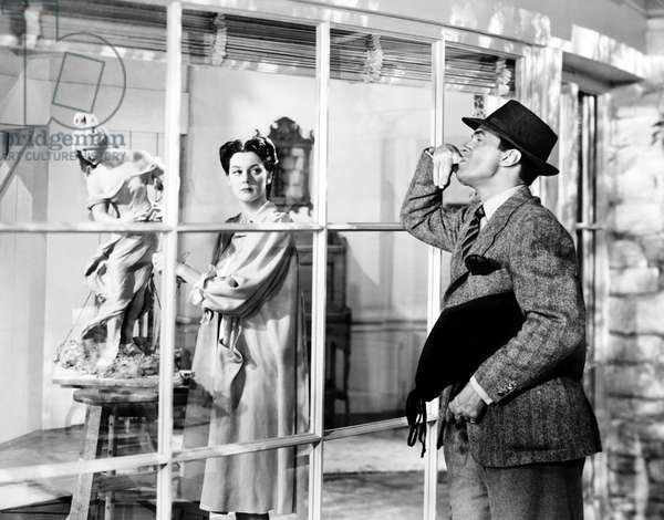 DESIGN FOR SCANDAL, from left, Rosalind Russell, Walter Pidgeon, 1941