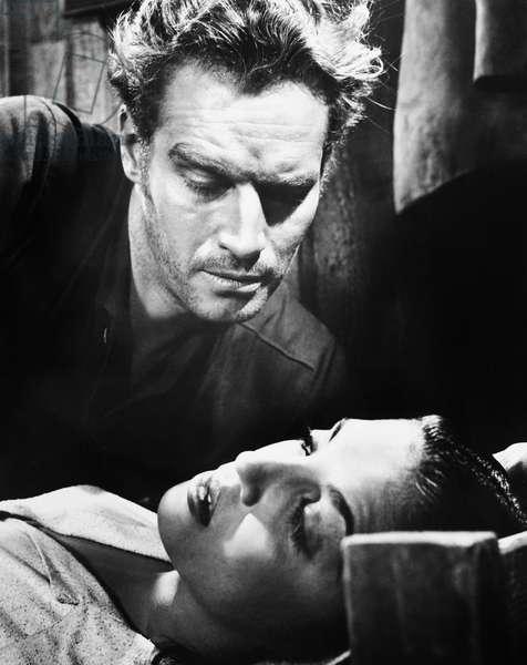 ARROWHEAD, from left: Charlton Heston, Katy Jurado, 1953