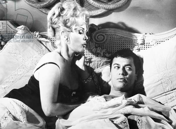 ARRIVEDERCI, BABY!, (aka DROP DEAD DARLING), from left: Zsa Zsa Gabor, Tony Curtis, 1966