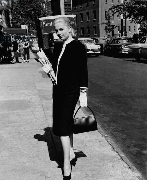THE BEST OF EVERYTHING, Martha Hyer on location in New York, 1959