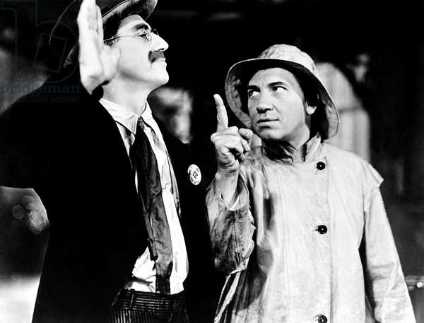 AT THE CIRCUS, from left, Groucho Marx, Chico Marx, 1939