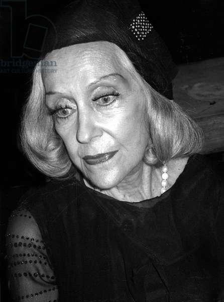 Gloria Swanson, 1977 (photo)