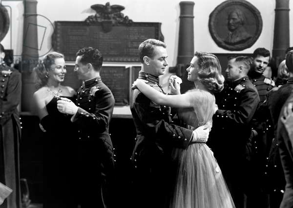 BEYOND GLORY, center, from left, Alan Ladd, Donna Reed, 1948