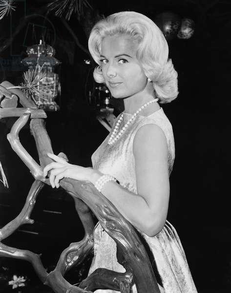 A GIRL NAMED TAMIKO, Martha Hyer, 1962