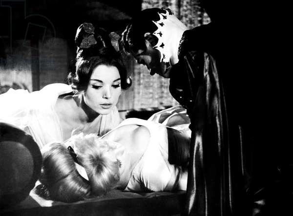BLOOD AND ROSES, (aka ET MOURIR DE PLASIR), clockwise from bottom, Annette Vadim, Elsa Martinelli, Mel Ferrer, 1960