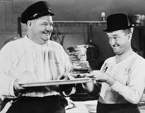 GREAT GUNS, from left: Oliver Hardy, Stan Laurel, 1941