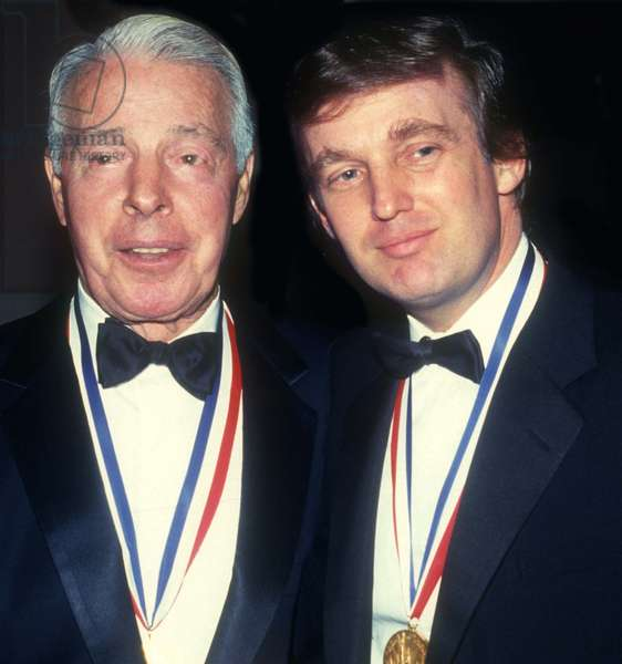 Joe DiMaggio and Donald Trump received the Ellis Island Medal of Honor in, 1986 (photo)