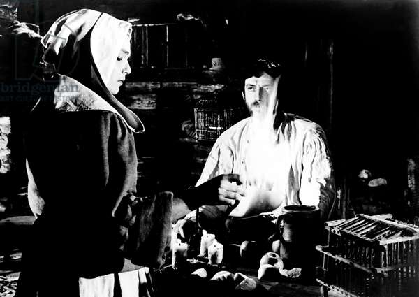 THE CRUCIBLE, from left, Simone Signoret, Yves Montand, 1957