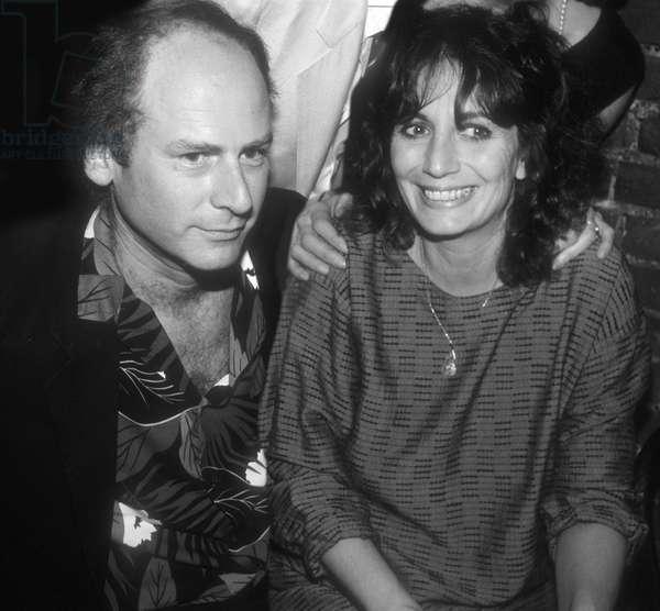Art Garfunkel and Penny Marshall, 1985 (photo)