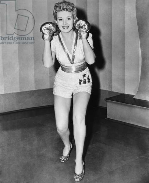 FOOTLIGHT SERENADE, Betty Grable, 1942