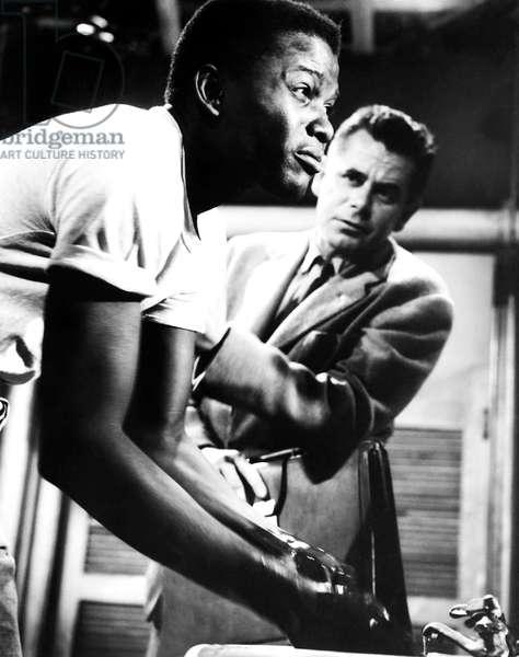 BLACKBOARD JUNGLE, from left,  Sidney Poitier, Glenn Ford, 1955
