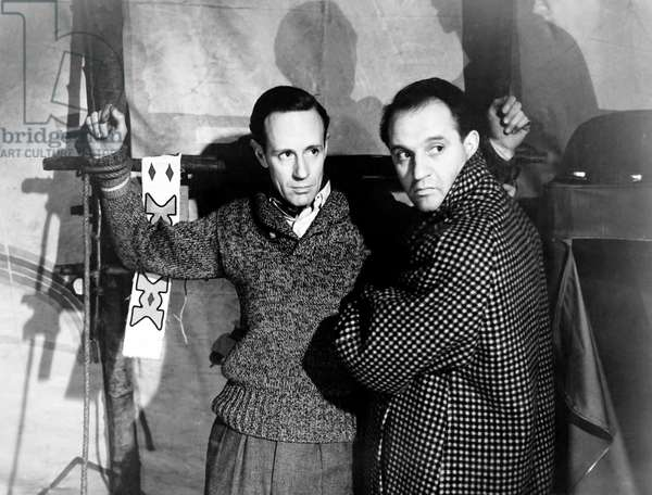 THE FORTY-NINTH PARALLEL, (aka THE INVADERS, aka 49th PARALLEL), from left, Leslie Howard, Eric Portman, 1941