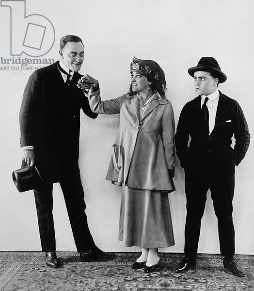 A DASH OF COURAGE, from left: Harry Gribbon, Gloria Swanson, Bobby Vernon, 1916