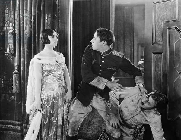 FORBIDDEN PARADISE, from left: Pola Negri, Rod La Rocque, Carlton Griffin, 1924