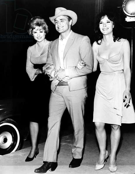 THE CHASE, from left: Martha Hyer, Marlon Brando, Janice rule on set, 1966