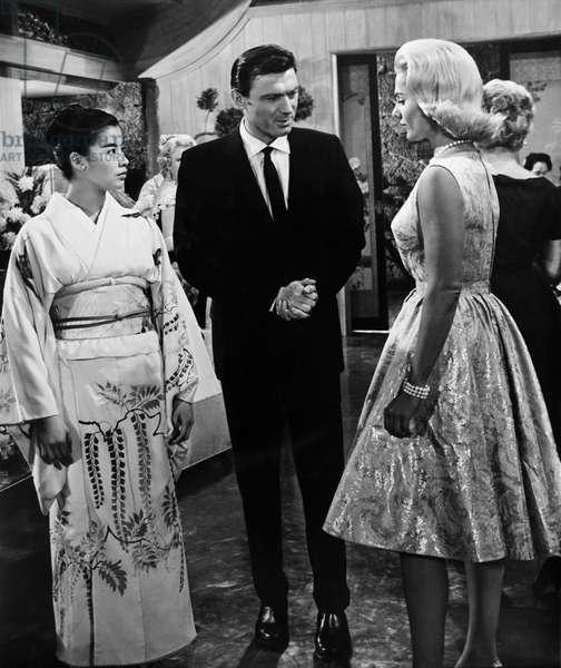 A GIRL NAMED TAMIKO, from left: France Nuyen, Laurence Harvey, Martha Hyer, 1962