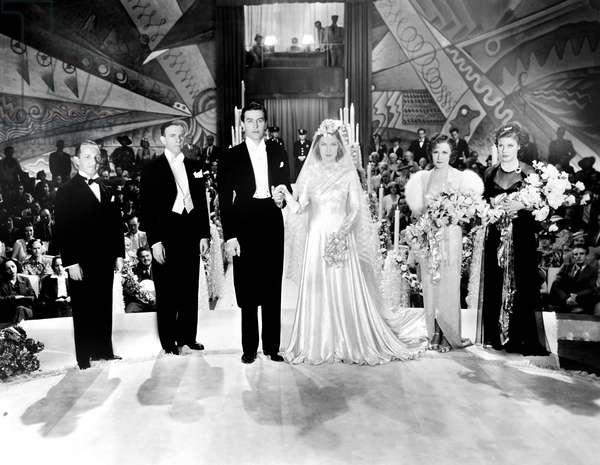 THE BIG BROADCAST OF 1937, from left, Sam Hearn, George Burns, Ray Milland, Shirley Ross, Gracie Allen, Martha Raye, 1936