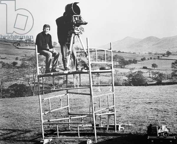 CHARLIE BUBBLES, director Albert Finney (left) on set, 1967