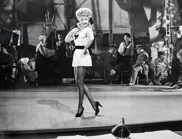 CONEY ISLAND, Betty Grable rehearsing on set, 1943