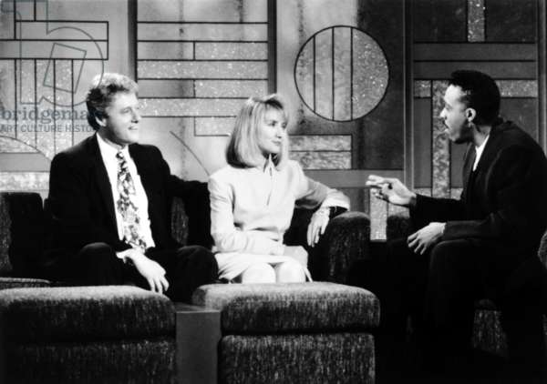 THE ARSENIO HALL SHOW, Presidential Candidate Bill Clinton, Hillary Rodham Clinton, host Arsenio Hall, (aired June 3, 1992), 1989-94, © Paramount Television / Courtesy: Everett Collection