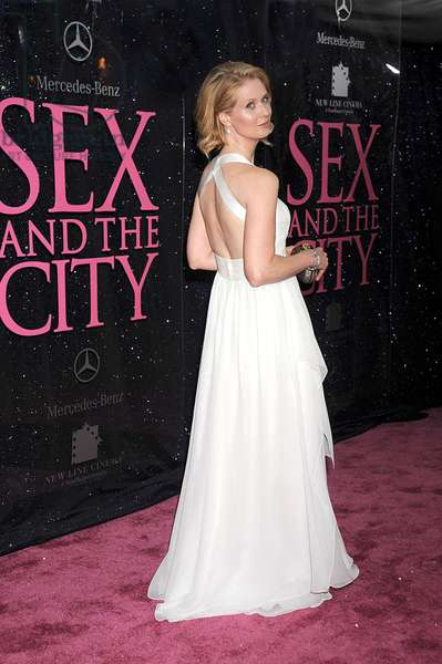 Cynthia Nixon (wearing a Narciso Rodriguez dress) at arrivals for New York Premiere of SEX AND THE CITY - THE MOVIE, Radio City Music Hall, New York, NY, May 27, 2008. Photo by: Kristin Callahan/Everett Collection