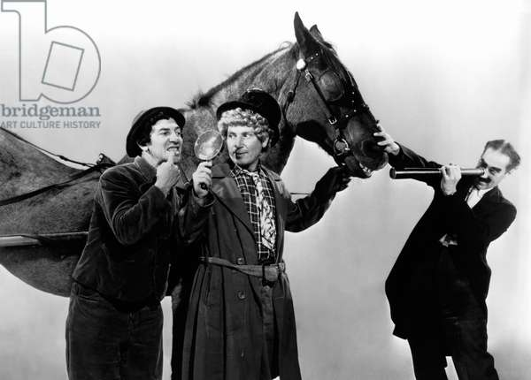 A DAY AT THE RACES, Chico Marx, Harpo Marx, Groucho Marx, 1937