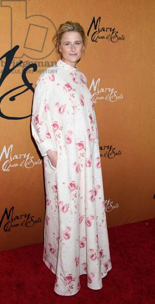 Mamie Gummer at arrivals for MARY QUEEN OF SCOTS Premiere, The Paris Theater, New York, NY December 4, 2018. Photo By: RCF/Everett Collection