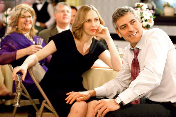 UP IN THE AIR, foreground from left: Vera Farmiga, George Clooney, 2009. ph: Dale Robinette/©DreamWorks Pictures/Courtesy Everett Collection