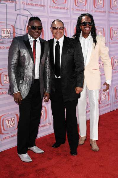 Philip Bailey, Ralph Johnson, Verdine White of Earth, Wind and Fire at arrivals for The 7th Annual TV Land Awards, Gibson Amphitheatre at Universal CityWalk, Los Angeles, CA April 19, 2009. Photo By: Roth Stock/Everett Collection