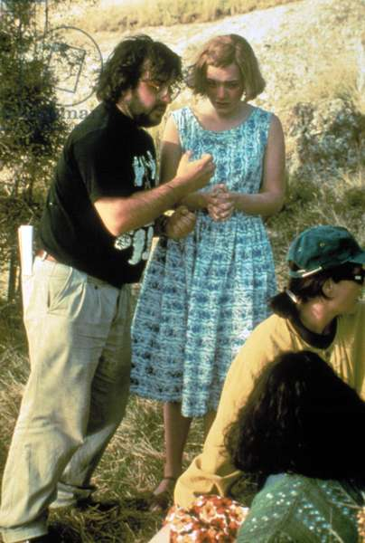 HEAVENLY CREATURES, director Peter Jackson, Kate Winslet on set, 1994, (c)Miramax/courtesy Everett Collection