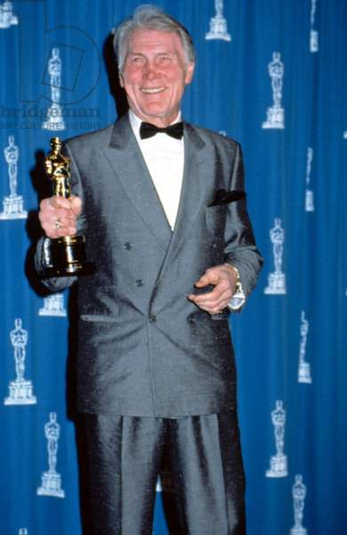 Jack Palance with his Academy Award for CITY SLICKERS, 1992