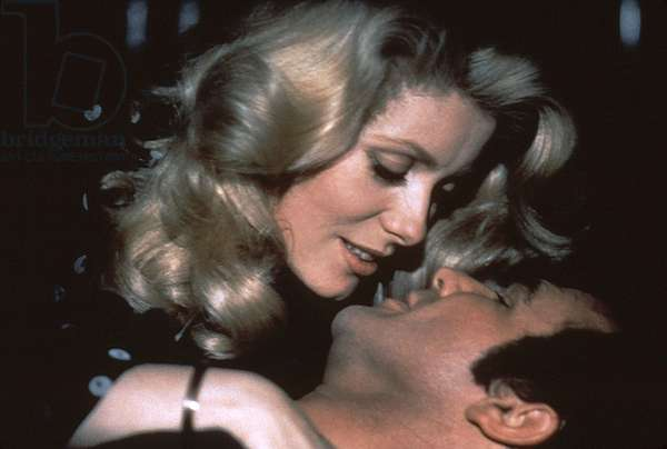 HUSTLE, Catherine Deneuve, Burt Reynolds, 1975
