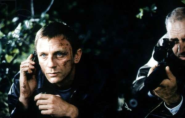 LAYER CAKE, Daniel Craig (left), 2004, (c) Sony Pictures Classics/courtesy Everett Collection