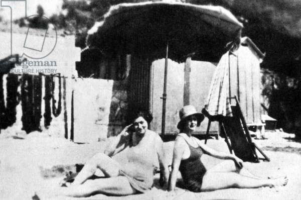 Isadora Duncan and Mary Desti in last photograph taken of Isadora Duncan, 1927.