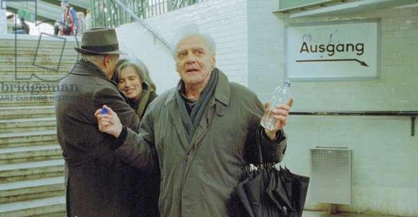 THE DUST OF TIME, (aka TRILOGIA II: I SKONI TOU HRONOU), from left: Michel Piccoli, Irene Jacob, Bruno Ganz, 2008. ©Audio Visual Enterprises/Courtesy Everett Collection