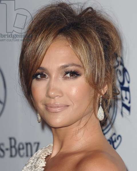 Jennifer Lopez at arrivals for 32nd Anniversary Carousel of Hope Ball Presented by Mercedes-Benz, Beverly Hilton Hotel, Beverly Hills, CA October 23, 2010. Photo By: Elizabeth Goodenough/Everett Collection