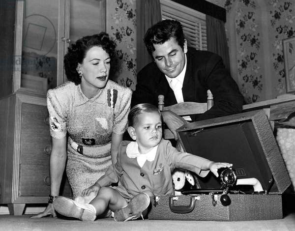 ELEANOR POWELL, son PETER FORD and husband GLENN FORD enjoy some quality time, 1948