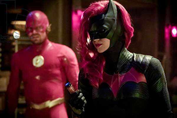 ARROW, from left: Stephen Amell, Ruby Rose (as Batwoman), 'Elseworlds, Part 2', (Season 7, ep. 709, aired Dec. 10, 2018). photo: Jack Rowand / ©The CW Network / courtesy Everett Collection