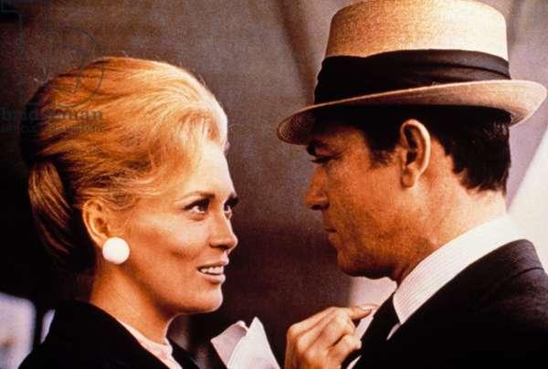 THE THOMAS CROWN AFFAIR, Faye Dunaway, Paul Burke, 1968.
