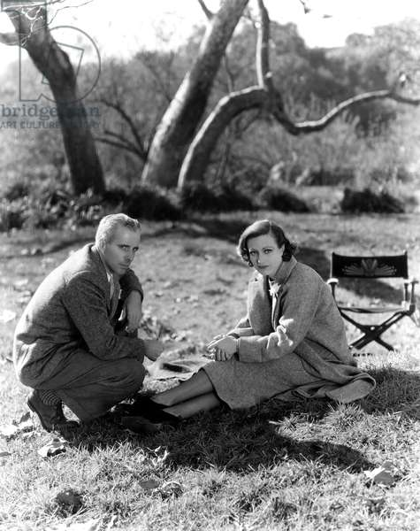 TODAY WE LIVE, director Howard Hawks, Joan Crawford on set, 1933