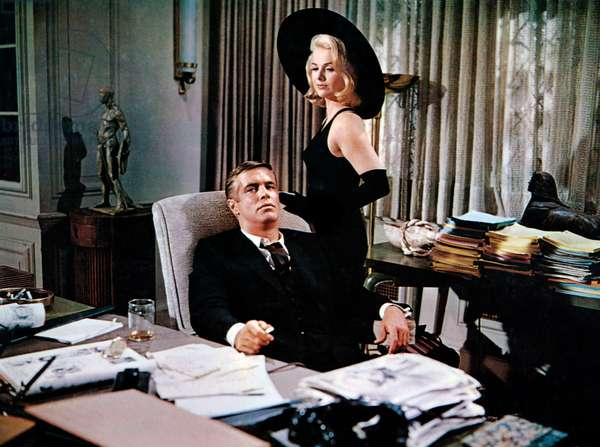 Les ambitieux: THE CARPETBAGGERS, George Peppard, Martha Hyer, 1964