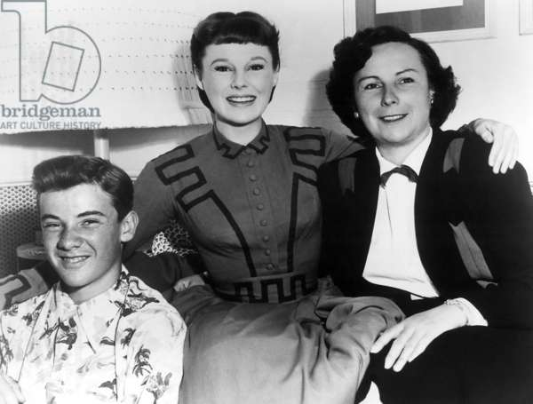 LITTLE WOMEN, June Allyson with her brother and mother on set, 1949