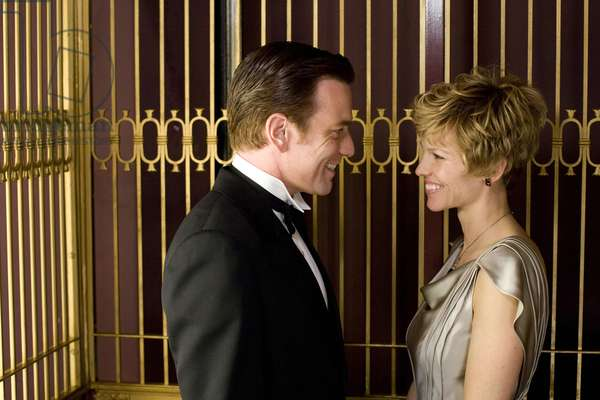 Amelia: AMELIA, from left: Ewan McGregor, Hilary Swank as Amelia Earhart, 2009. ph: Ken Woroner/©Fox Searchlight/courtesy Everett Collection