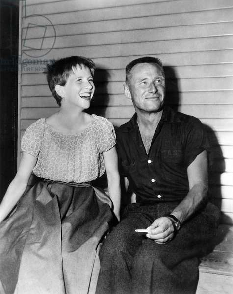 THE MEMBER OF THE WEDDING, Julie Harris, visited on-set by I AM A CAMERA author Christopher Isherwood,