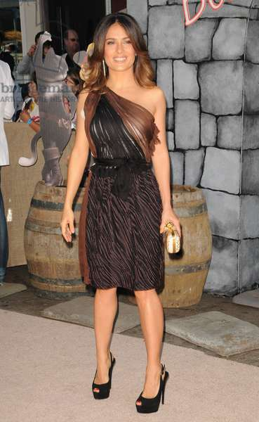 Salma Hayek (wearing a Bottega Veneta dress) at arrivals for PUSS IN BOOTS Premiere, Regency Village Theater in Westwood, Los Angeles, CA October 23, 2011. Photo By: Dee Cercone/Everett Collection