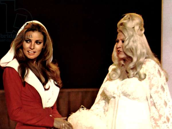 MYRA BRECKINRIDGE, Raquel Welch, Mae West, 1970. TM and Copyright (c) 20th Century Fox Film Corp. All rights reserved. Courtesy: Everett Collection