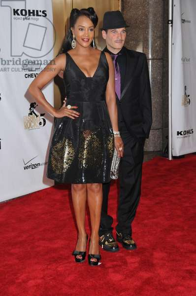 Vivica A. Fox , Philip Block at arrivals for 5th Annual FASHION ROCKS Concert Hosted by Conde Nast, Radio City Music Hall, New York, NY, September 05, 2008. Photo by: Rob Rich/Everett Collection