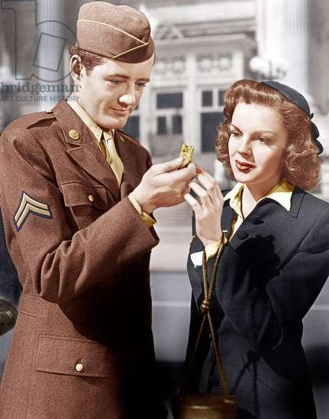 L'Horloge: THE CLOCK, from left: Robert Walker, Judy Garland, 1945